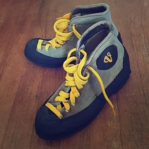 Vintage Vasque Hiking Boots